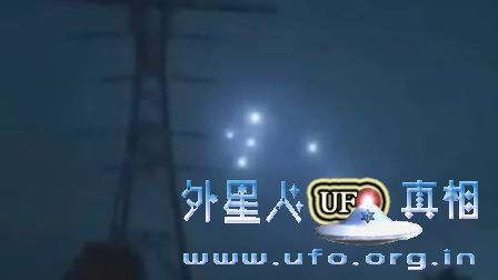 数个未知UFO光球出现 他们在干什么的图片