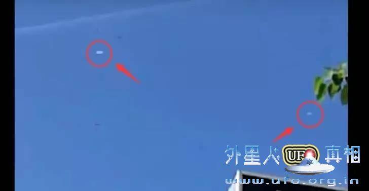 2个UFO在马来西亚槟城乔治市上空惊现 社交网络疯传的图片 第2张