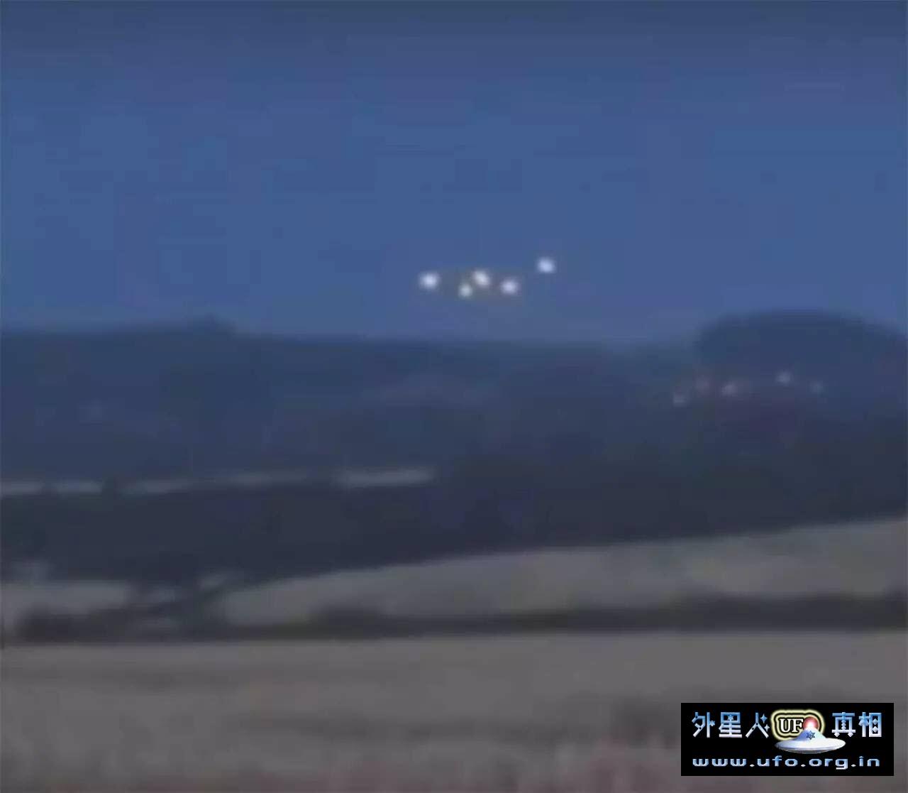 UFO专家直播调查麦田圈拍到5个UFO (外星人想证明是他们干的好事) 第1张