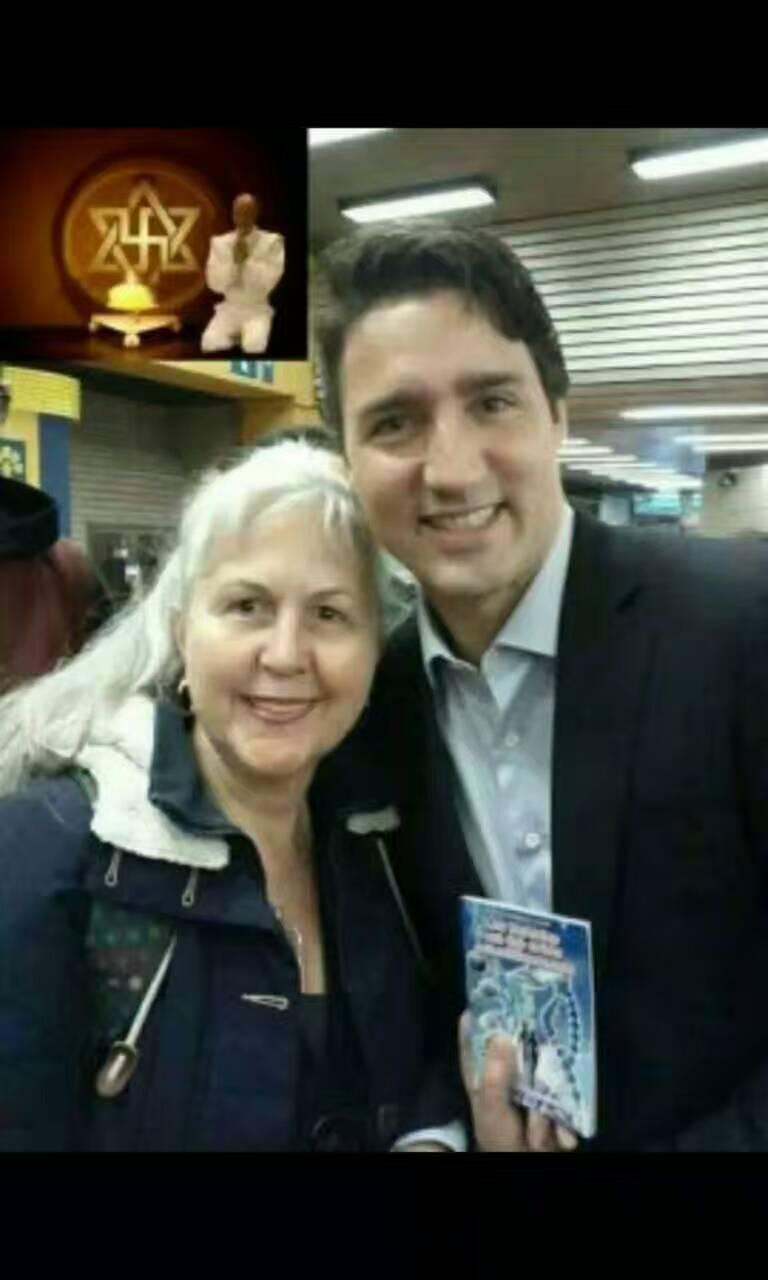 她把《来自外星人的讯息》宣传册传给了加拿大总理贾斯廷·特鲁多 第5张