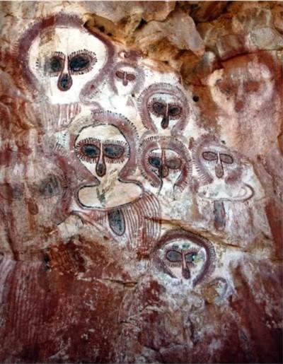 远古外星人洞穴壁画3 第3张