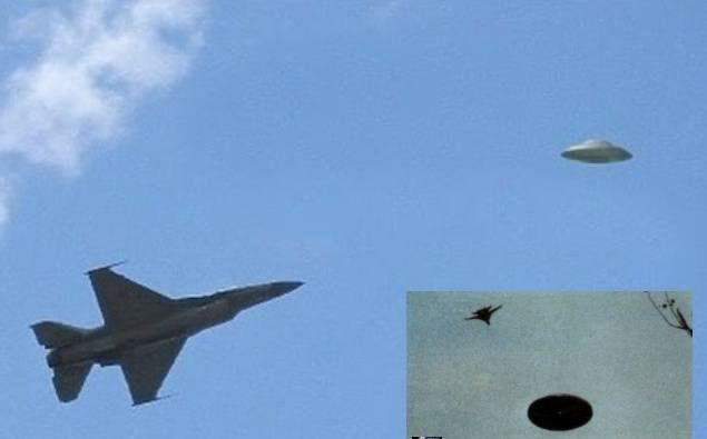 新加坡空军机长泄密开战机追UFO 第1张