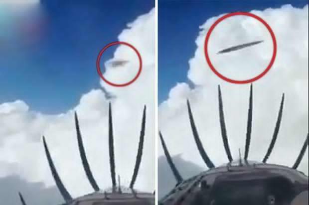 阿根廷飞行员拍到2个UFO高速飞过 第1张