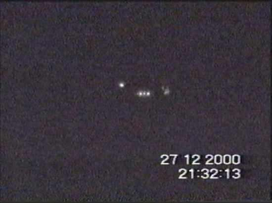 2000年12月27日英国UFO视频截图(来源:英国国家档案馆) 第2张