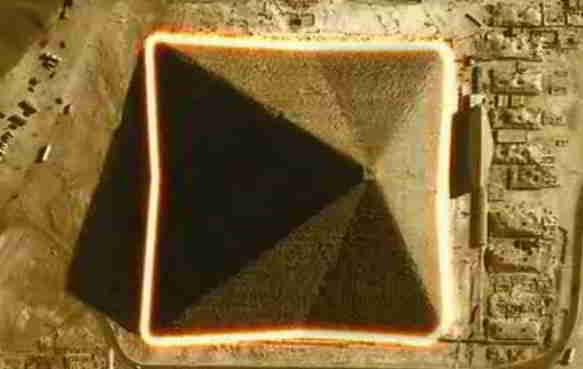 外星人建造金字塔?吉萨金字塔坐标和光速相同的图片 第2张