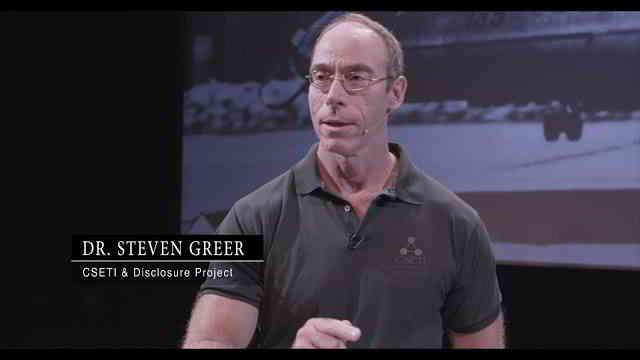Seven Macon Greer是美国退休的创伤学家和ufologist(UFO研究家) 第2张