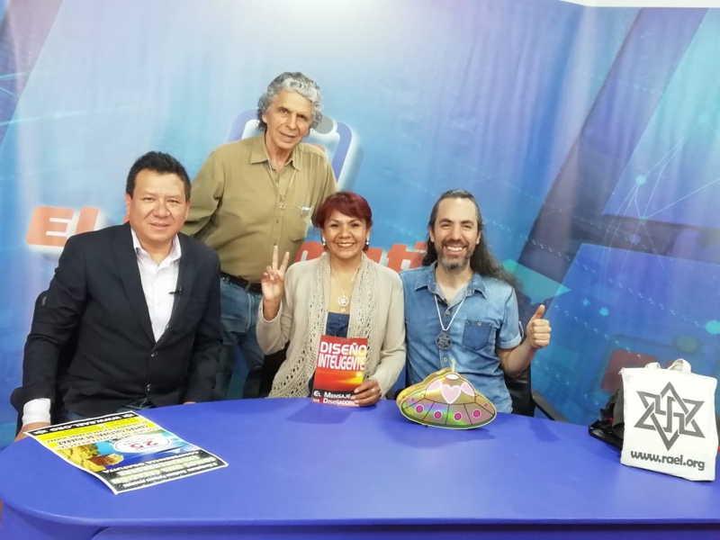 """在秘鲁安卡什瓦拉斯市的电缆电视频道Andino的"""" El Informativo del Medio Dla""""节目中秘鲁Raelian Movement报道了最重要的来自外星人的讯息。 第6张"""