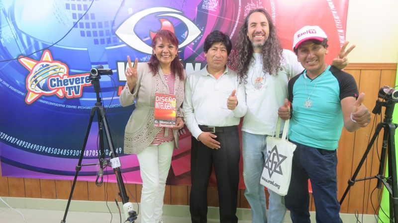 在频道酷电视Chévere TV节目《Visual information》, 采访秘鲁雷尔运动的成员, 来自瓦拉斯市, 安卡什, 秘鲁。 第13张