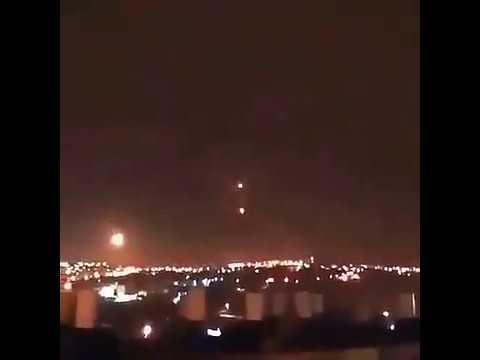 2020年4月28日以色列2个六芒星UFO合体发出惊人闪电