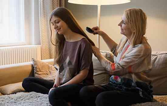 女性突然头发掉很厉害怎么办?脱发严重是什么原因