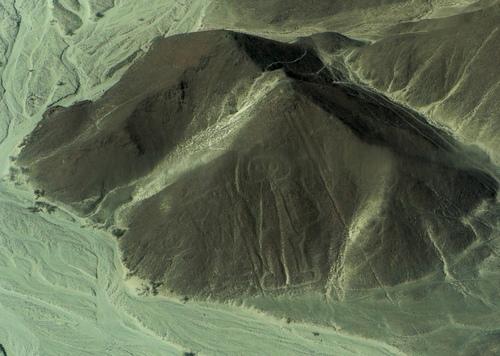 六世纪时作于秘鲁一座山上的巨型雕刻